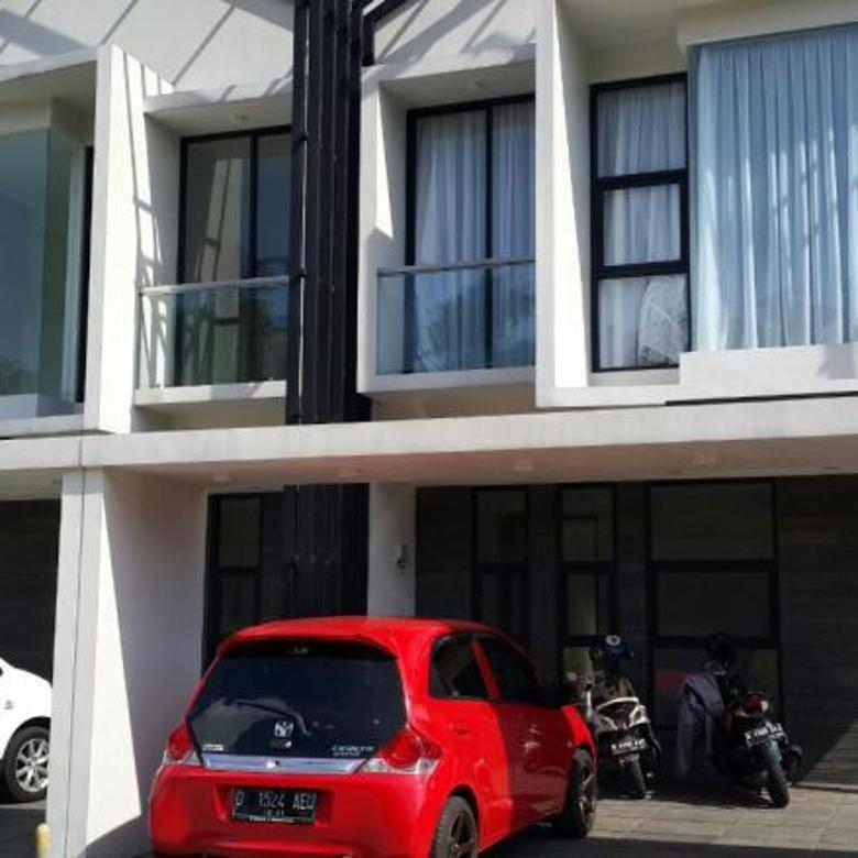 Rumah Mewah Dijual diBandung Utara  Free Kolam Renang Hrg 2,3M
