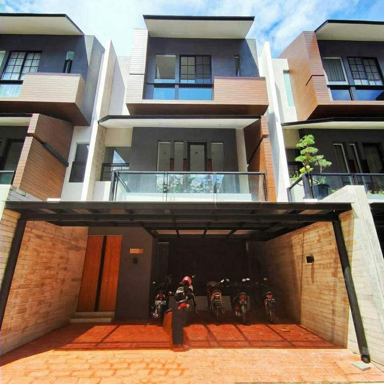 Rumah Mewah Modern Brand New di Cipete Selatan