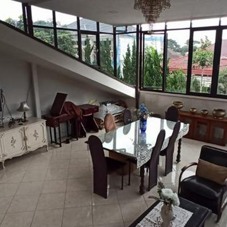 Rumah Minimalis dan Elegan di Setrasari Bandung
