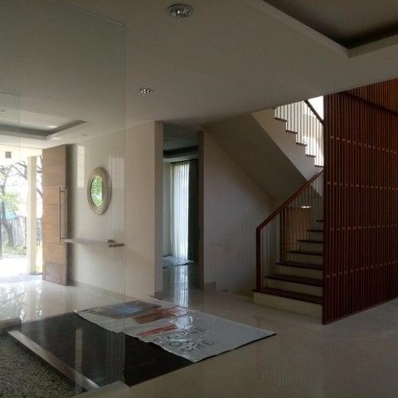 FOR RENT Rumah Citraland Surabaya