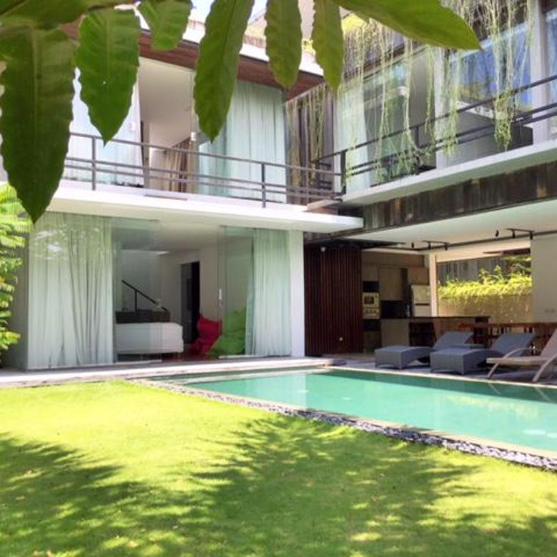 BEAUTIFUL THREE BEDROOMS VILLA IN CANGGU - BERAWA