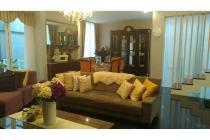 Disewakan: Rumah Town House, Fully Furnished, Dekat Citos, Jakarta Selatan