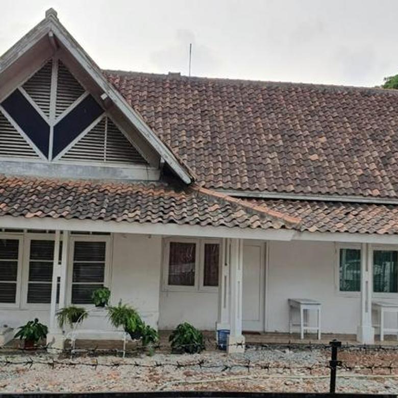Rumah tua di jalan gandaria - kebayoran baru