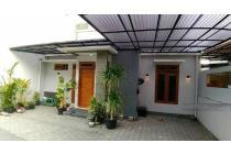 Rumah Cantik Dalam Perumahan Di Lempongsari