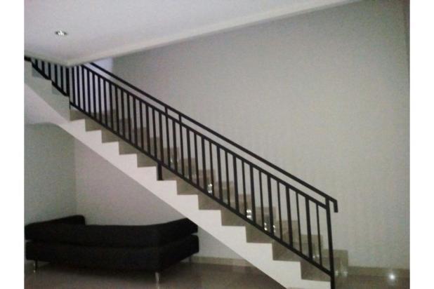 Rumah 2 lantai, baru dan sangat strategis di Bintaro, Jakarta Selatan 9842151