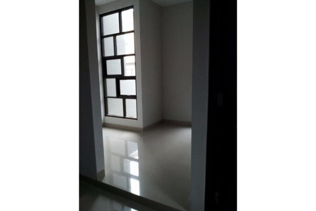 Rumah 2 lantai, baru dan sangat strategis di Bintaro, Jakarta Selatan 9842155
