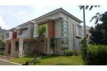 Dijual Rumah Hook Nyaman Strategis di Cluster Palm Summarecon Bekasi