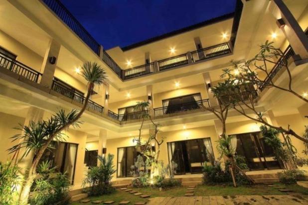 Rp7,9mily Hotel Dijual
