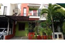 Rumah 2 lantai di lingkungan yang nyaman