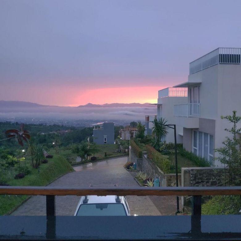 Jual rumah dekat kota bandung, view gunung dan kota