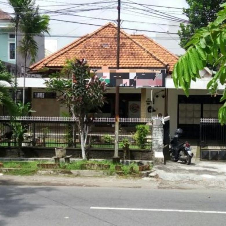 RUMAH PUSAT KOTA STRATEGIS ROW 3 MOBIL  JL. OPAK
