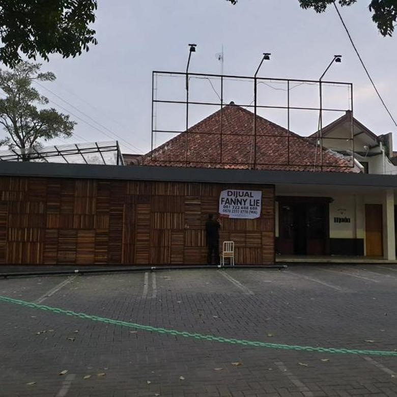 Ruang Usaha Ex Caffe di Jl Setiabudhi jalur 2 Arah cocok untuk Resto, Caffe, Factory Outlet, Butik, Kantor, dll