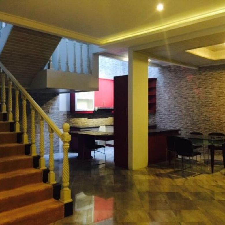FOR RENT NICE HOUSE AT PONDOK INDAH (4+1BR)