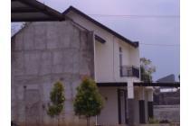 Rumah exclusive town house dengan nuansa villa di Bandung