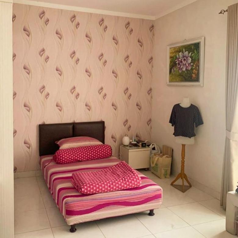 Rumah exclusive semi furnished hoek siap huni di discovery residence bintaro Jaya sektor 9 Jakarta selatan