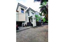 Rumah Mewah Dengan Private Swimming Pool di Ampera Jakarta Selatan