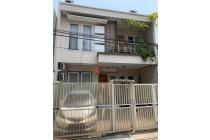 Rumah 2 Lantai Di Jalan BCS, Area Kelapa Gading