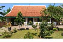 Rumah Halaman Luas Bergaya Betawi Jawa di Cibubur