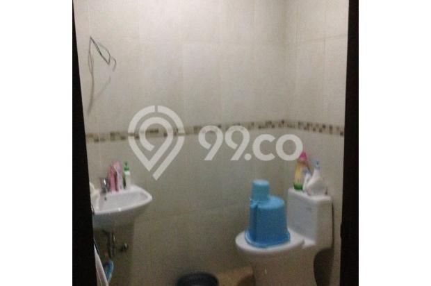 Kamar mandi dengan luas yang cukup besar 4942203