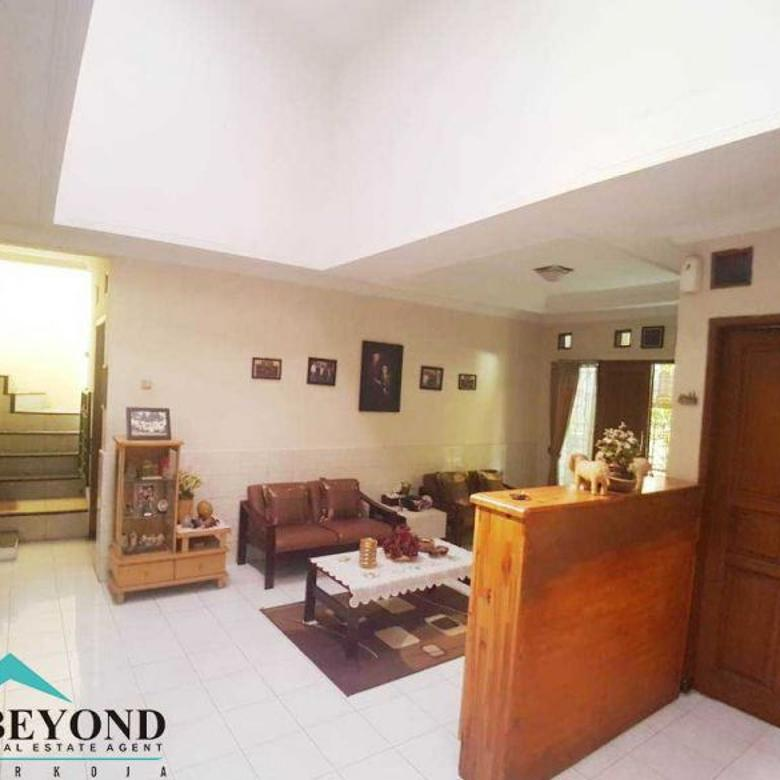 Rumah 2 Lantai Nyaman Bikin BETAH! Daerah Saturnus Utara Margahayu Bandung
