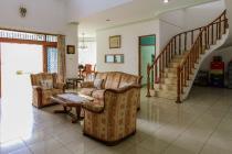 Dijual Cepat! Rumah Mewah di Kawasan Elite Setraduta Bandung