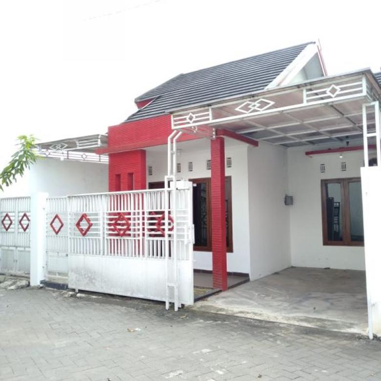 Rumah siap huni di utara JEC dekat kampus AKAKOM