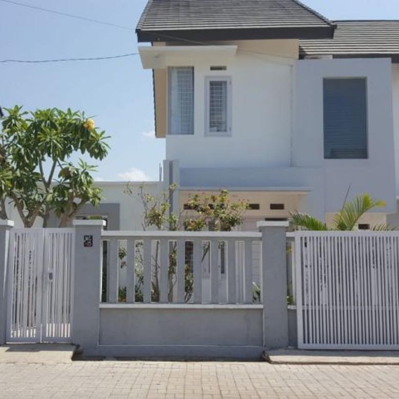 Rumah di Meninting, lombok barat, NTB. 5 Kamar. 2 Lantai