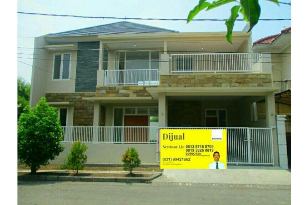 *Babatan Pratama* New Gress Modern  #Balkon  Luas Besar# Wiyung  Surabaya Barat  Siap Huni  SPESIFIKASI: 1. L.Tanah:297m2                       (13,5 x 22) 2. L.Bangunan:280 m2 3. Kamar Tidur:3+1 4. Kamar Mandi:4 5. Bangunan:2 Lantai 6. Carport:2 mobil 7. PLN:4400watt 8. Row jalan:12 meter  9. Legalitas:HGB 10. Hadap:  Utara  *Harga 3,75 M*  Hubungi: *SENTOSA LIE* RAYWHITE ROYAL RESIDENCE 0816-540-2297 (INDOSAT/WA) 0813-571-68-709 (SIMPATI) 0819-382-608-19 (XL) PIN BB. D250C42A Http://sentosalie.agenproperti.com 13870862