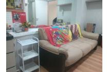 Siap Huni 2BR Full Furnished View POOL Apartemen Greenbay