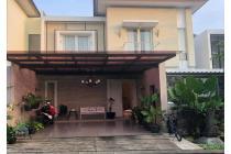 Rumah Mewah 2 lantai Dengan Pool Di Tamarind Lane - Lebak Bulus
