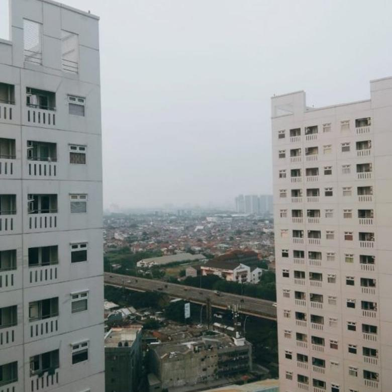 Dijual Cepat Apartemen Green Pramuka Semi Furnished