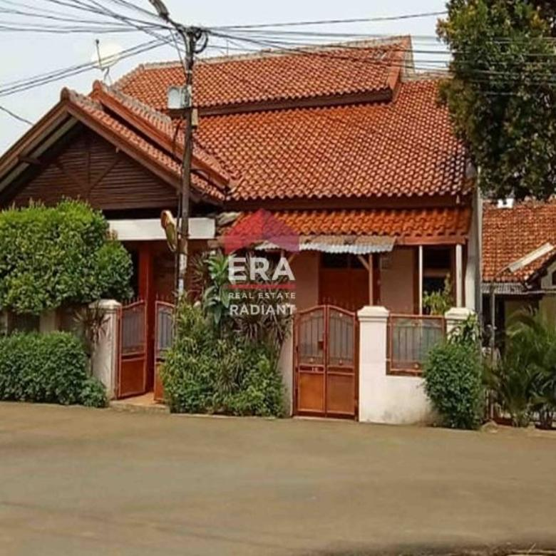 Rumah nyaman dan tenang dekat Bintaro Jaya