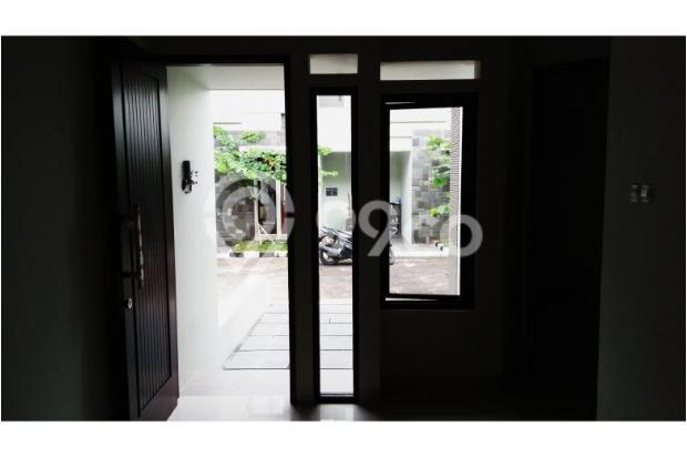 Rumah Elegan di Jl Raya Condet 12064490