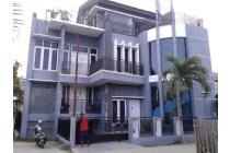Rumah mewah berkelas Hotel 3 lantai ( pusat kota)