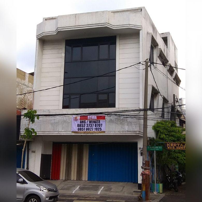 Ruko Nol Jalan Raya Dharmawangsa Surabaya