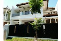 Graha Family Modern Minimalis View Taman & Pool Siap Huni Fresh Terawat
