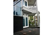 Dijual murah Rumah tanah Luas siap huni  daerah Jatiwaringin  Bekasi
