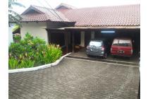 Rumah Besar Untuk Kantor, Parkir Bisa 8-10 Mobil di Buncit Pejaten