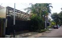 RUMAH 390 m2 HADAP TAMAN LOKASI STRATEGIS, Jl BRAWIJAYA KEBAYORAN BARU JKT