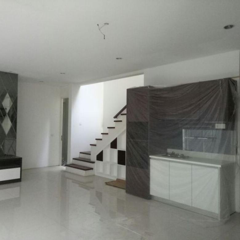 Dijual Rumah Graha Natura Siap Huni Include Furniture Surabaya Barat