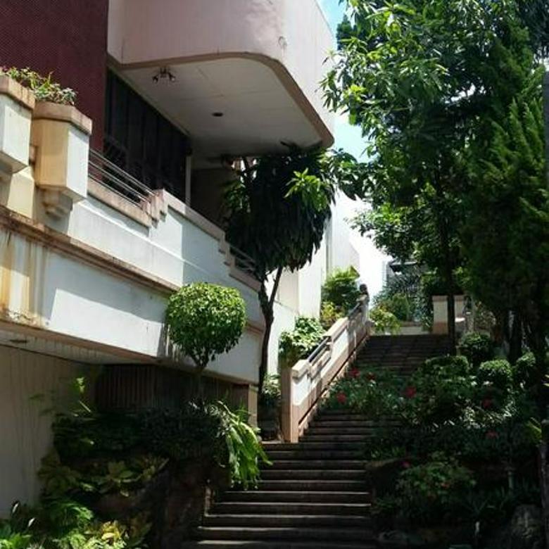 Rumah Mewah Harga murah, sdh njop, bonus rumah kokoh Di Kebayoran Lama