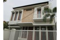 Rumah mewah dengan spesifikasi exclusive !!! ada WHITE HOUSE di Jakarta !!
