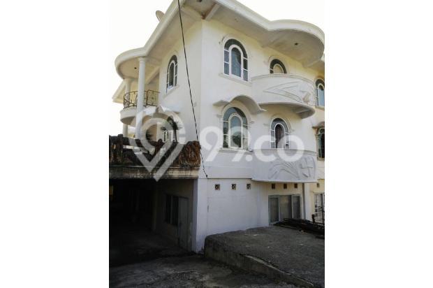 Lantai bawah , ada kamar kost 9 kamar.  Karna dekat dengan kampus ISI 12900170