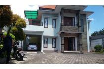 Rumah model villa lokasi jalur wisata ubud
