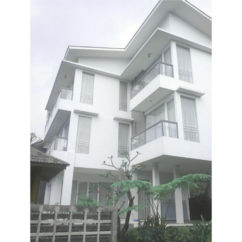 Disewakan Rumah Mewah di Dago Pakar Bandung Utara