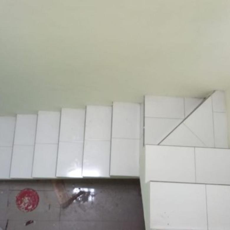 Rumah Dijual 2 Lantai  Dekat Pulogebang Sertipikat, Cash 690 J
