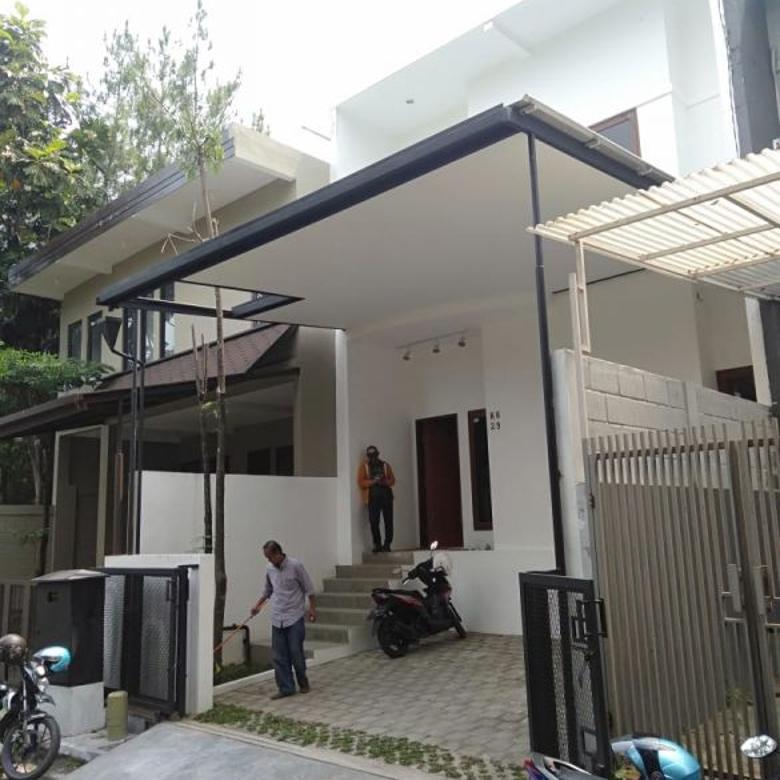 rumah baru 2 lantai di kawasan elite setra duta