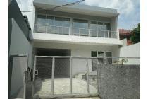 Rumah baru cantik siap huni, harga menarik