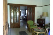 Rumah klasik di Pusat Kota, dekat Gedung Sate dan Jalan Riau