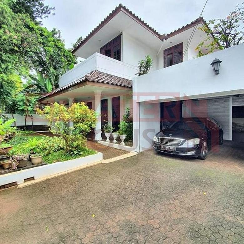 Rumah Cantik, Depan Taman LT/LB: 661/450 @ Pondok Indah, Jakarta Selatan